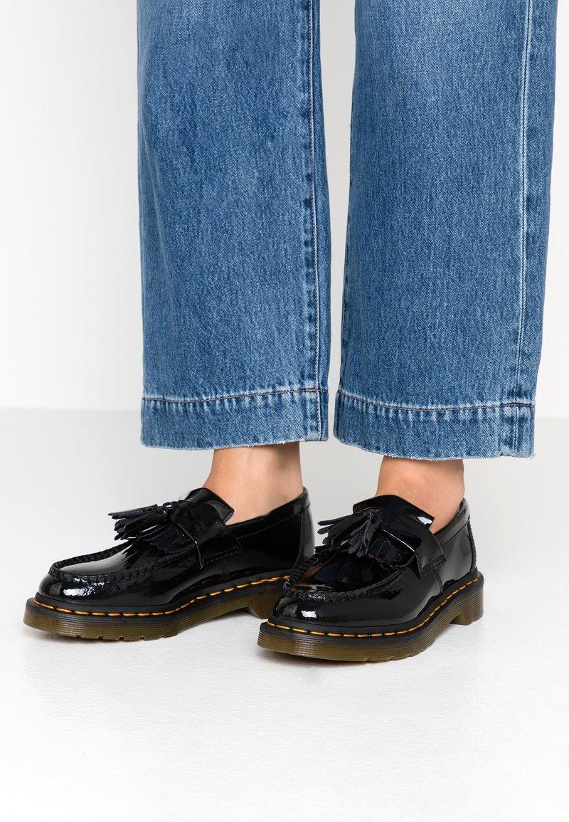 Dr. Martens - ADRIAN - Scarpe senza lacci - black