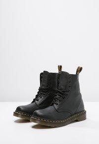 Dr. Martens - 1460 PASCAL - Šněrovací kotníkové boty - black - 2