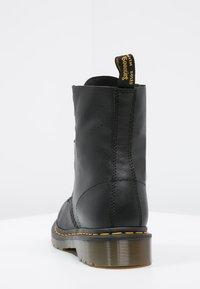 Dr. Martens - 1460 PASCAL - Šněrovací kotníkové boty - black - 3