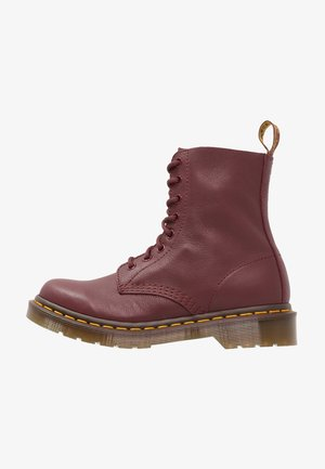 1460 PASCAL 8 EYE BOOT  - Lace-up ankle boots - cherry red
