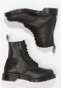 Dr. Martens - 1460 PASCAL ZIP 8 EYE BOOT - Schnürstiefelette - black - 2