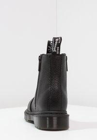 Dr. Martens - 2976 W/ZIPS CHELSEA BOOT - Botines - black - 4