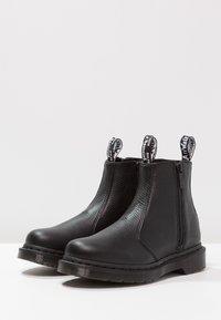 Dr. Martens - 2976 W/ZIPS CHELSEA BOOT - Botines - black - 3