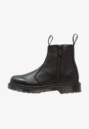 2976 W/ZIPS CHELSEA BOOT - Kotníkové boty - black
