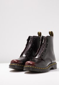 Dr. Martens - 1460 PASCAL FRNT ZIP 8 EYE BOOT - Lace-up ankle boots - cherry red arcadia - 4