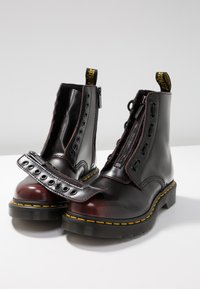 Dr. Martens - 1460 PASCAL FRNT ZIP 8 EYE BOOT - Lace-up ankle boots - cherry red arcadia - 7
