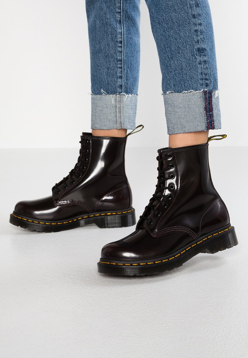 Dr. Martens - 1460 8 EYE BOOT - Lace-up ankle boots - cherry red arcadia