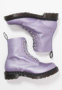 Dr. Martens - 1460 PASCAL - Kotníkové boty na platformě - lavender metallic virginia - 3
