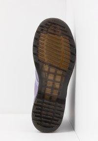 Dr. Martens - 1460 PASCAL - Kotníkové boty na platformě - lavender metallic virginia - 6