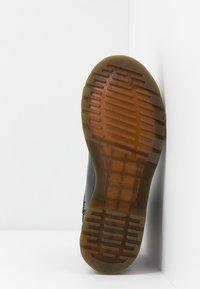 Dr. Martens - Classic ankle boots - black - 6