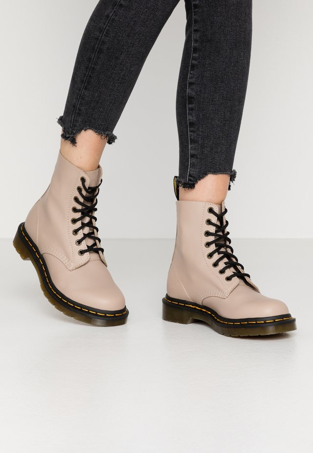 1460 PASCAL - Lace-up ankle boots - natural wanama