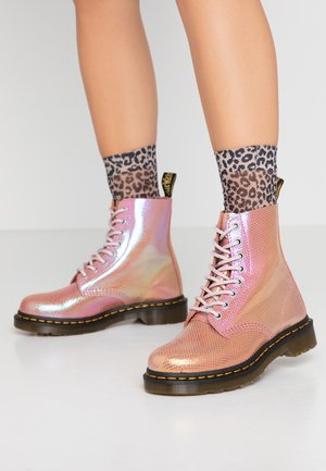 1460 PASCAL - Lace-up ankle boots - pink