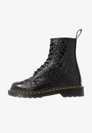 1460 NEW VIBRANCE CROCO - Snørestøvletter - black