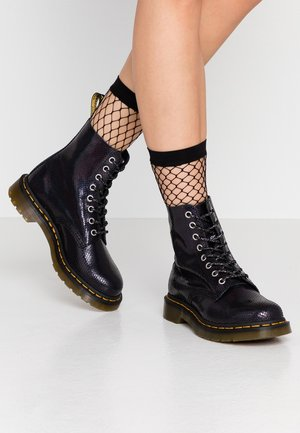 1460 PASCAL IRIDESCENT TEXTURE - Lace-up ankle boots - black