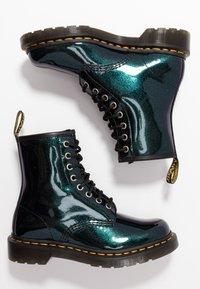 Dr. Martens - 1460 8 EYE BOOT - Snörstövletter - teal/pacific sparkle - 3