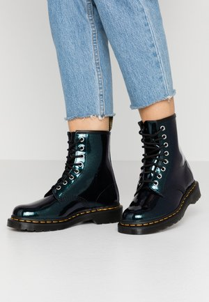 1460 8 EYE BOOT - Lace-up ankle boots - teal/pacific sparkle