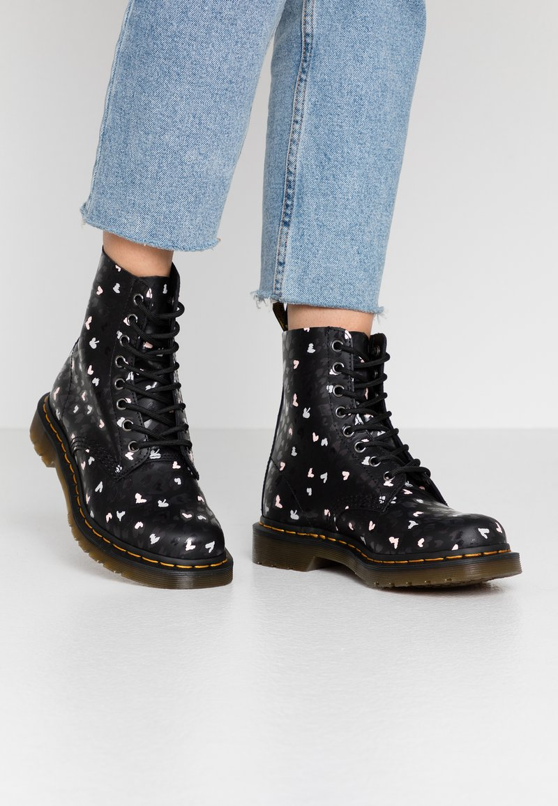Dr. Martens - 1460 PASCAL HEARTS 8 EYE BOOT - Lace-up ankle boots - black