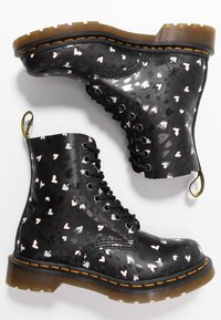Dr. Martens - 1460 PASCAL HEARTS 8 EYE BOOT - Lace-up ankle boots - black - 3