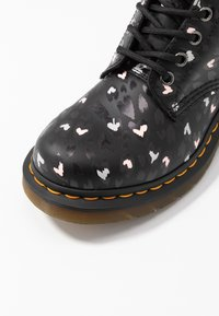 Dr. Martens - 1460 PASCAL HEARTS 8 EYE BOOT - Lace-up ankle boots - black - 2
