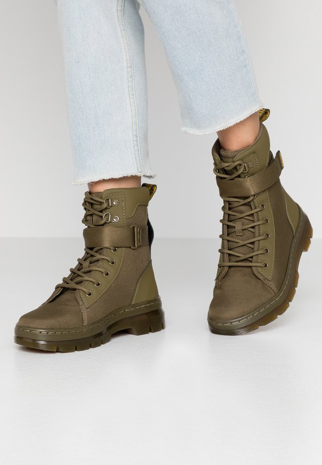 COMBS TECH - Platform ankle boots - olive