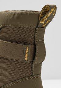 Dr. Martens - COMBS TECH - Platform ankle boots - olive - 2