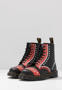 Dr. Martens - STUD 8 EYE BOOT - Cowboy/biker ankle boot - black backhand - 4