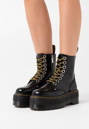 JADON MAX - Kotníkové boty na platformě - black buttero