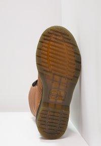 Dr. Martens - AIMILITA 9 EYE TOE CAP BOOT - Lace-up boots - tan - 5