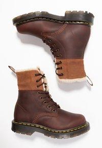 Dr. Martens - 1460 KOLBERT SNOWPLOW - Lace-up ankle boots - dark brown - 3