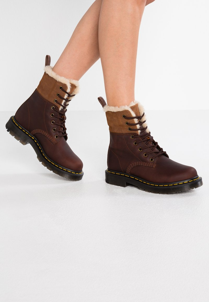 Dr. Martens - 1460 KOLBERT SNOWPLOW - Lace-up ankle boots - dark brown