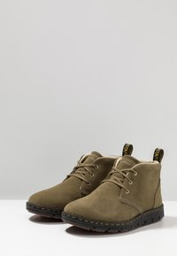 Dr. Martens - LAWFORD MID - Casual lace-ups - olive - 2