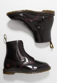Dr. Martens - WINCHESTER II VEGAN BOOT - Lace-up ankle boots - cherry red arcadia - 1