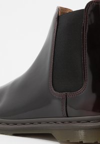 Dr. Martens - GRAEME II 8 EYE FORMAL BOOT - Classic ankle boots - cherry red/arcadia - 5
