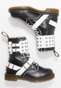 Dr. Martens - 1490 JOSKA STUD - Lace-up boots - black milled/vintage smooth/white smooth - 1