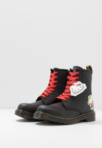 Dr. Martens - 1460 HELLO-KITTY  Y - Lace-up ankle boots - black - 2