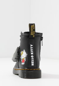 Dr. Martens - 1460 HELLO-KITTY  T - Lace-up ankle boots - black - 3