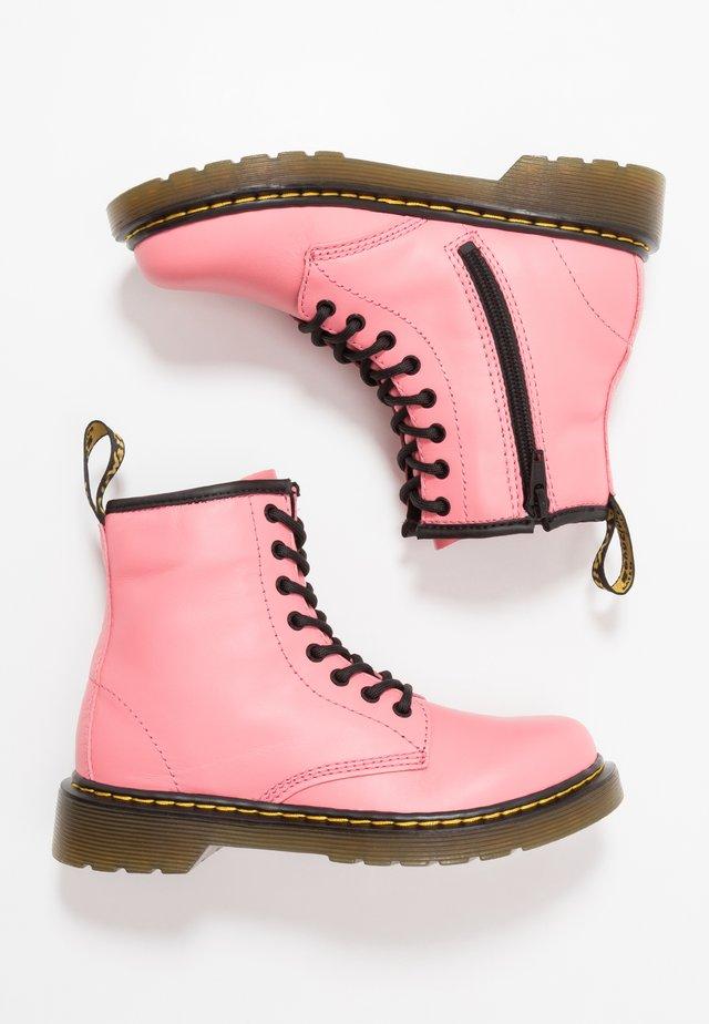 1460 ROMARIO - Šněrovací kotníkové boty - acid pink