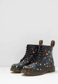Dr. Martens - 1460 HEARTS  - Lace-up ankle boots - black - 3
