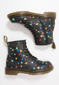 Dr. Martens - 1460 HEARTS  - Lace-up ankle boots - black - 0