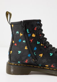 Dr. Martens - 1460 HEARTS  - Lace-up ankle boots - black - 2