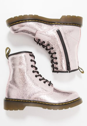 1460 - Lace-up ankle boots - pink salt crinkle metallic
