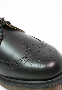 Dr. Martens - 3989 - Casual lace-ups - schwarz - 5