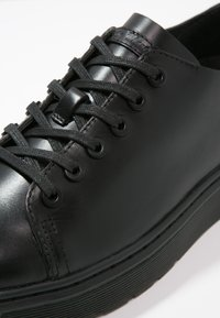 Dr. Martens - Casual lace-ups - black - 5