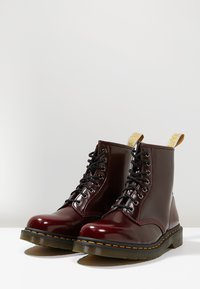 Dr. Martens - Lace-up ankle boots - cherry - 2