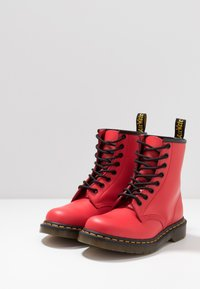 Dr. Martens - 1460 - Lace-up ankle boots - satchel red - 2