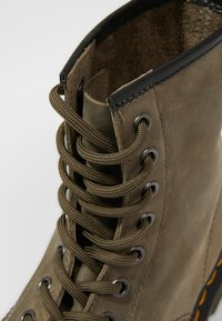 Dr. Martens - 1460 - Lace-up ankle boots - olive - 5