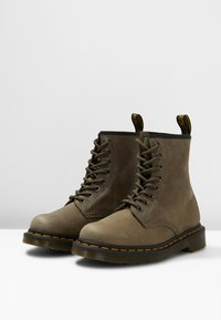Dr. Martens - 1460 - Lace-up ankle boots - olive - 2