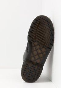 Dr. Martens - 1460 SEX PISTOLS - Šněrovací kotníkové boty - black - 4