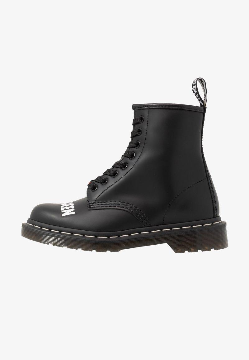 Dr. Martens - 1460 SEX PISTOLS - Šněrovací kotníkové boty - black