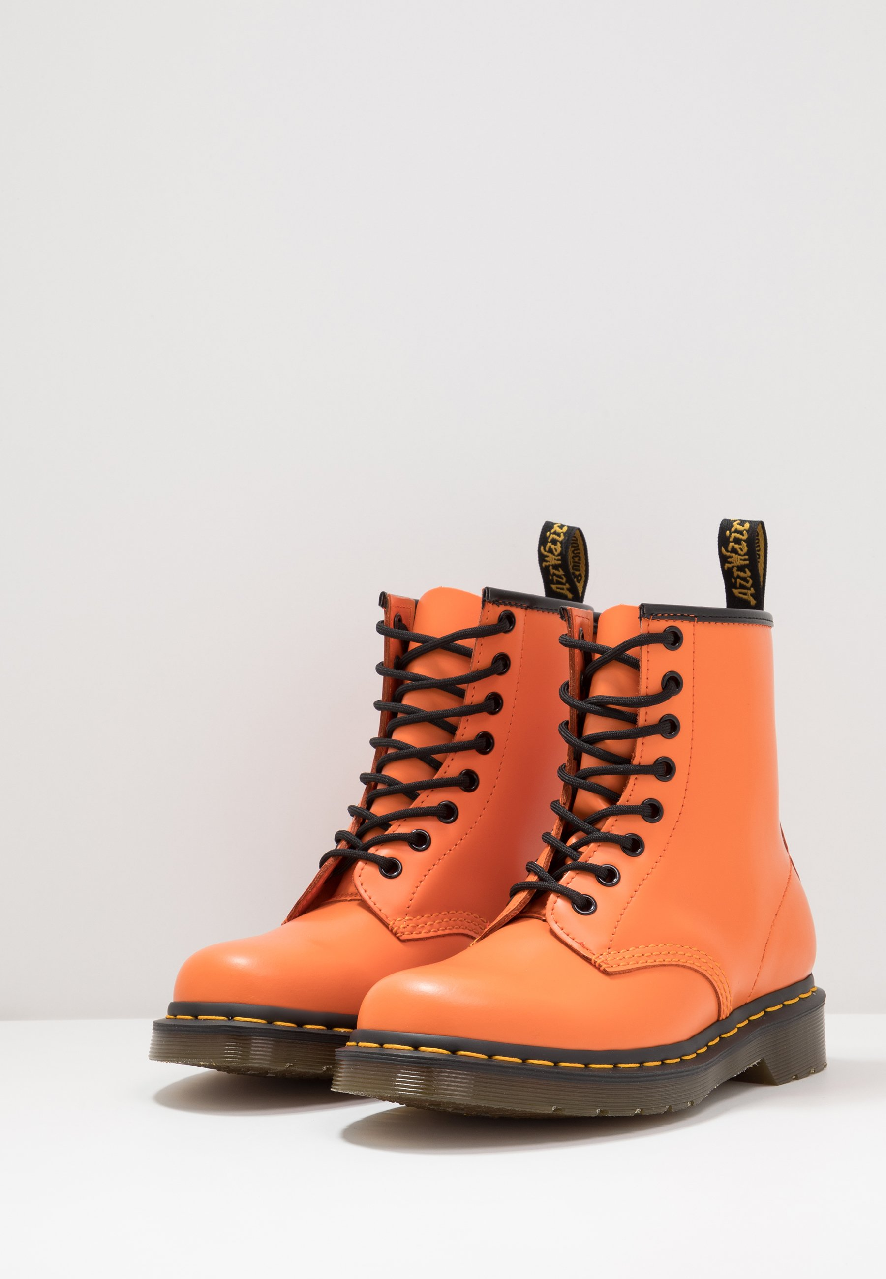 Dr. Martens 1460 Eye Boot - Lace-up Ankle Boots Orange Smooth
